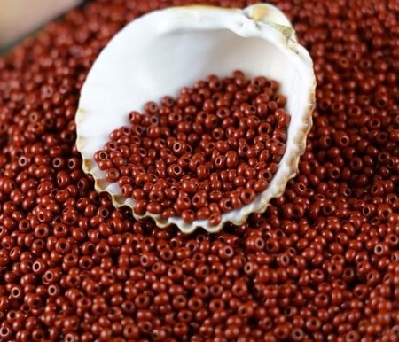Czech Rocaille Seed Beads opaque RED 10/0