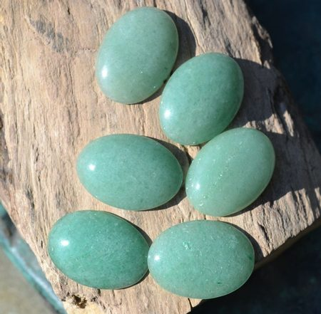 AVENTURINE, 18 mm x 13 mm Oval Cabochon