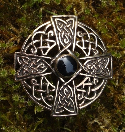 CELTIC CROSS KNOTTED BRONZE BROOCH