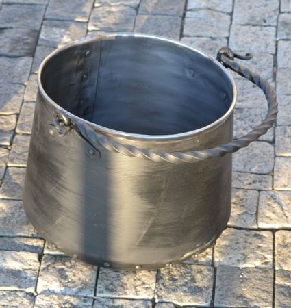Iron Cauldron 5 L