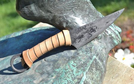 THE GAUL KNIFE