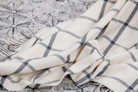 WHITE & GREY WINDOWPANE THROW, Woollen blanket