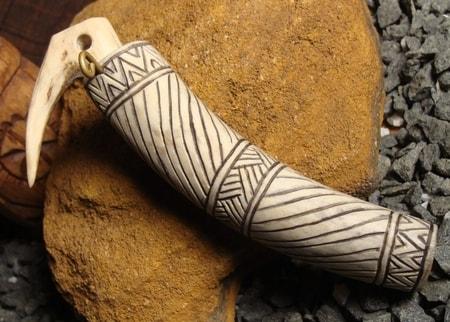 Viking or slavic needle case bone carving wulflund