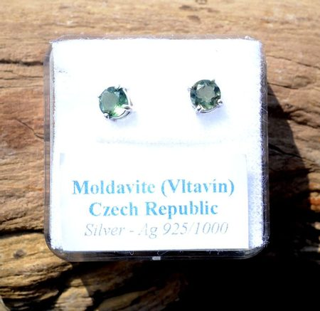 CYNGUS, sterling silver earrings with MOLDAVITE