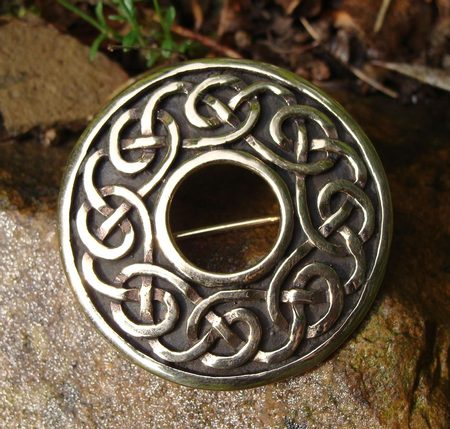 KNOTTED BRONZE BROOCH, celtic inspiration