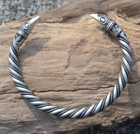 Viking Raven Mammen Bracelet Tin