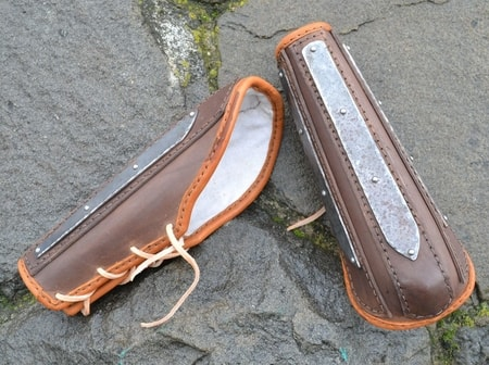 LEATHER BRACER WITH METAL STRAPS AND ELBOW PROTECTION, FOR COMBAT, ONE PIECE