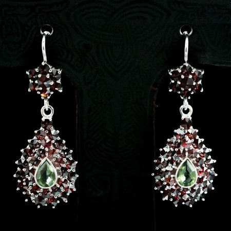 JACENIA, silver earrings, moldavite, garnet