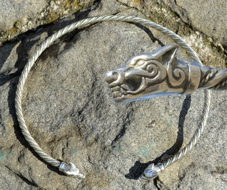 SILVER TORC, WOLVES FROM ICELAND, AG 925, 85 G.