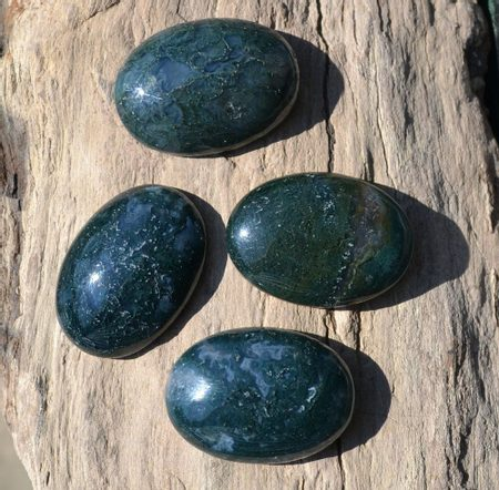 AGATE, Green Moss, 25mm x 18mm Oval Cabochon