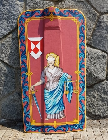 HAND PAINTED PAVISE, long wooden shield I