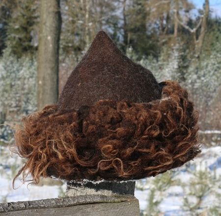Woolen Viking Hat with Fur Manufacturer
