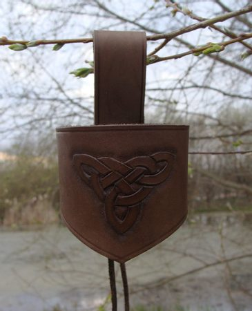 LEATHER HORN HOLDER
