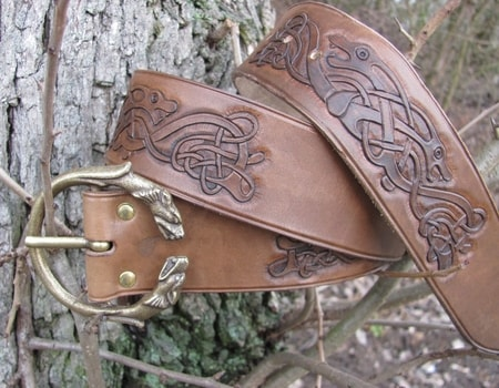 Celtic wolf carved leather belt wulflund