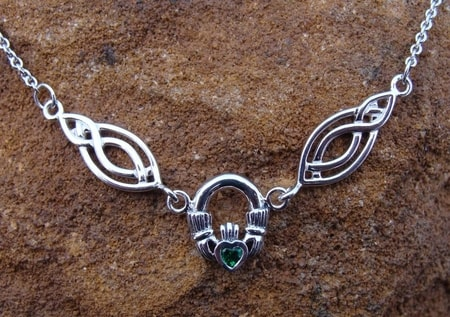 CLADDAGH NECKLACE, silver