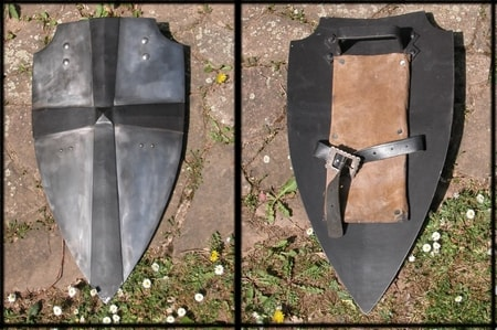 MEDIEVAL BATTLE SHIELD - COMBAT SHIELDS