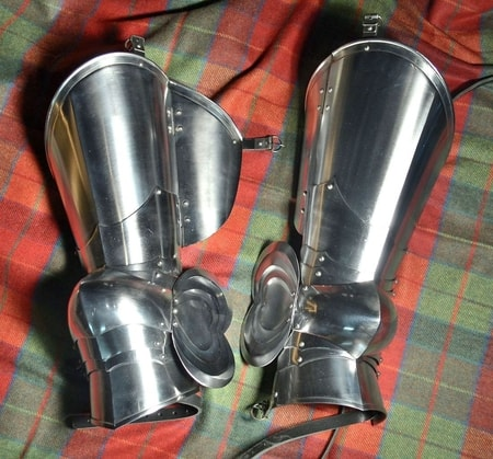 Custom Leg Armor - poleyns and cuisses, polished, 1.5 mm