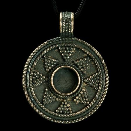 ladoga viking pendant bronze wulflund