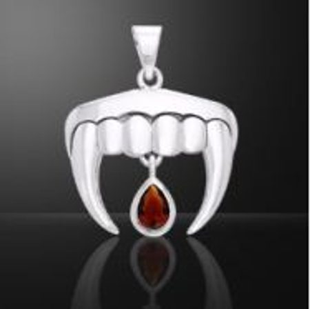 VAMPIRE TEETH, pendant with garnet, silver 925