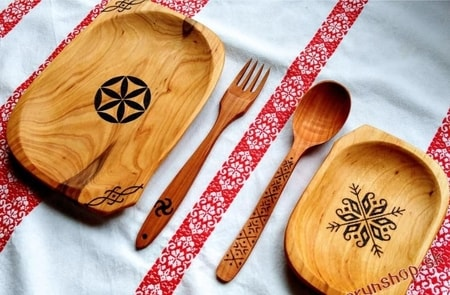Slavic Wooden crockery Set - 2 Plates, Spoon, Fork