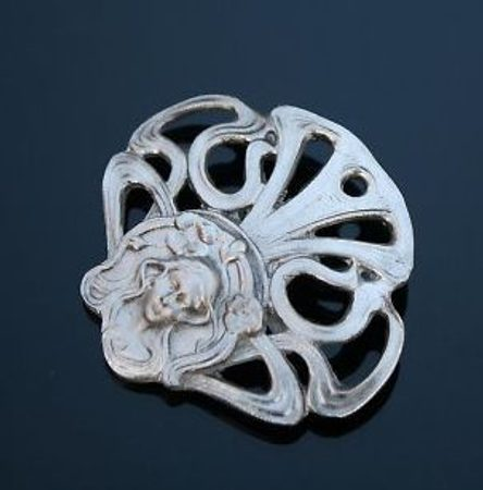 ART NOUVEAU BROOCH JEWELS
