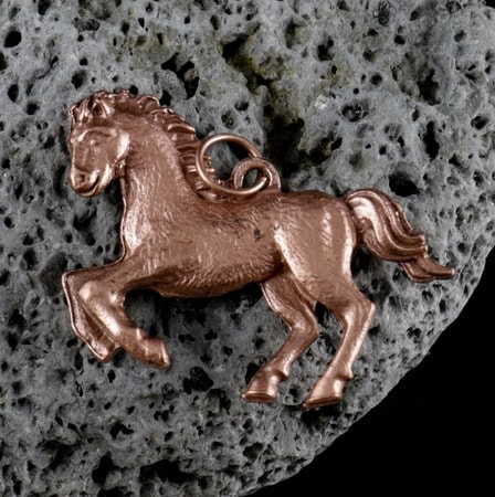 HORSE PENDANTS, HORSE JEWELS, HORSE SHOES PENDANTS and TALISMANS