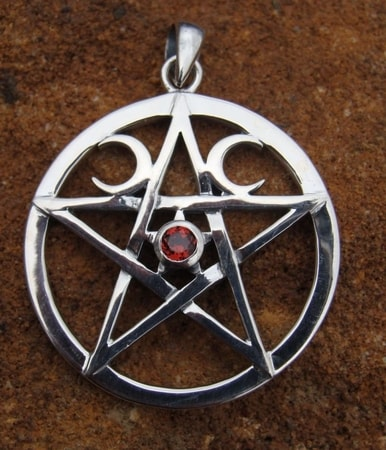 SILVER WICCAN PENTACLE with garnet