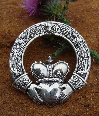 CLADDAGH NECKLACE EXTRA LARGE, silver pendant