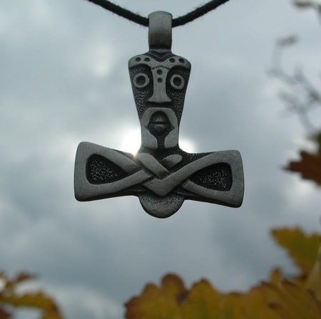 THOR IS WATCHING YOU - amulet
