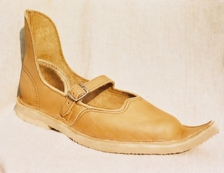 MEDIEVAL SHOES FOR LADIES I