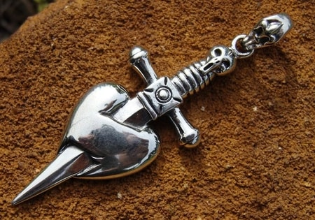 PIRATE PENDANT, dagger and heart - DPT-369