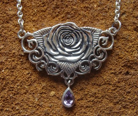 SACRED ROSE NECKLACE - CNT-061