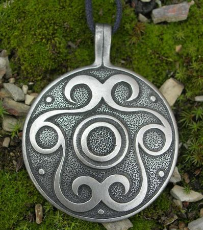 VOLUTE AMULET - big pendant