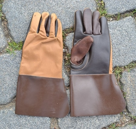HISTORICAL LEATHER GLOVES, brown