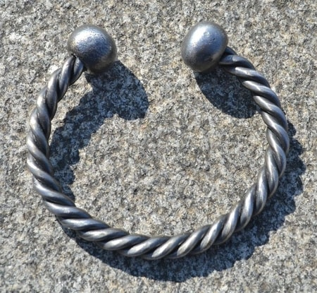 HAND FORGED TWISTED STEEL BRACELET