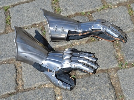 STEEL GAUNTLETS with elongated protection of forearm