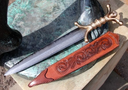 Celtic Damascus Steel Knife