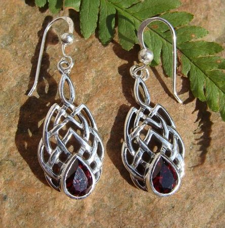 BOIOHAEMUM, silver earrings, garnet