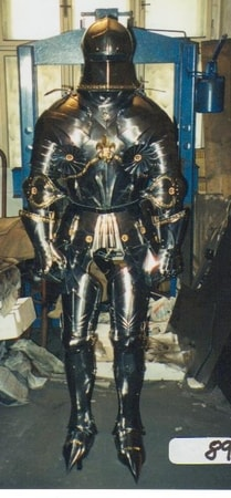 CUSTOM MADE FUNCTIONAL SUIT OF ARMOURS