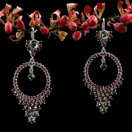 MELINDA, silver earrings, moldavite, garnet
