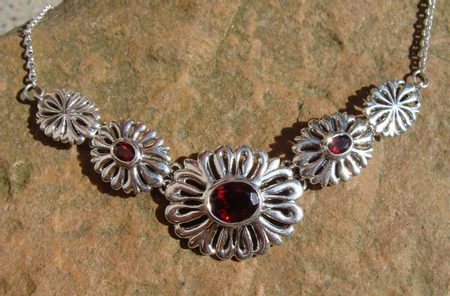 FLOWER SILVER NECKLACE with garnets, Ag 925