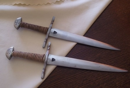 HAND FORGED CRUSADER DAGGER, XII and XIII centurz