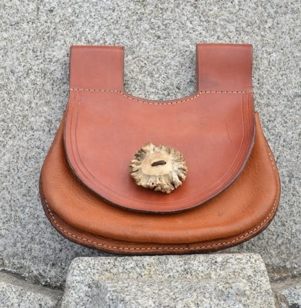 MEDIEVAL LEATHER BAG FOR WOMEN