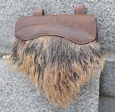 BELT BAG WITH WILD BOAR FUR