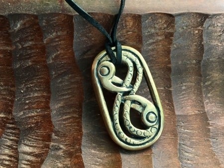 HUGINN AND MUNINN, bronze pendant