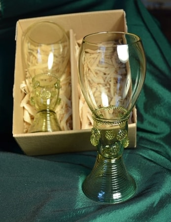 RENAISSANCE GLASS REPLICAS