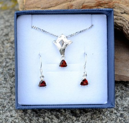 BRAN - garnet, sterling silver jewellery set