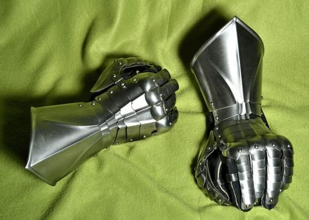STEEL KNIGHT'S GAUNTLETS, FOR RENTAL