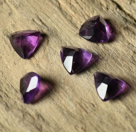 Amethyst African Facetted, Trillion, 6 x 6 mm