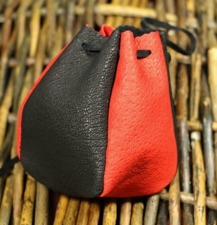 LEATHER POUCH, red 9 x 10cm